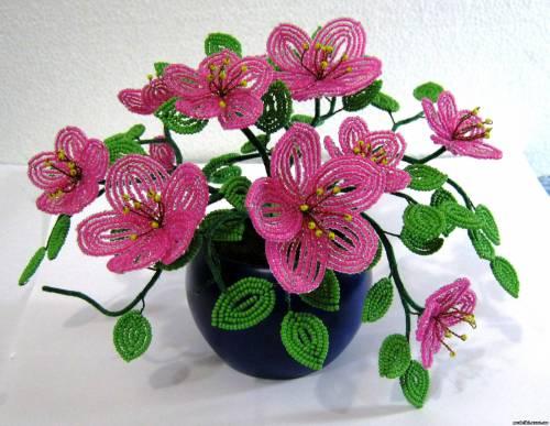 комнатные цветы из бисера.