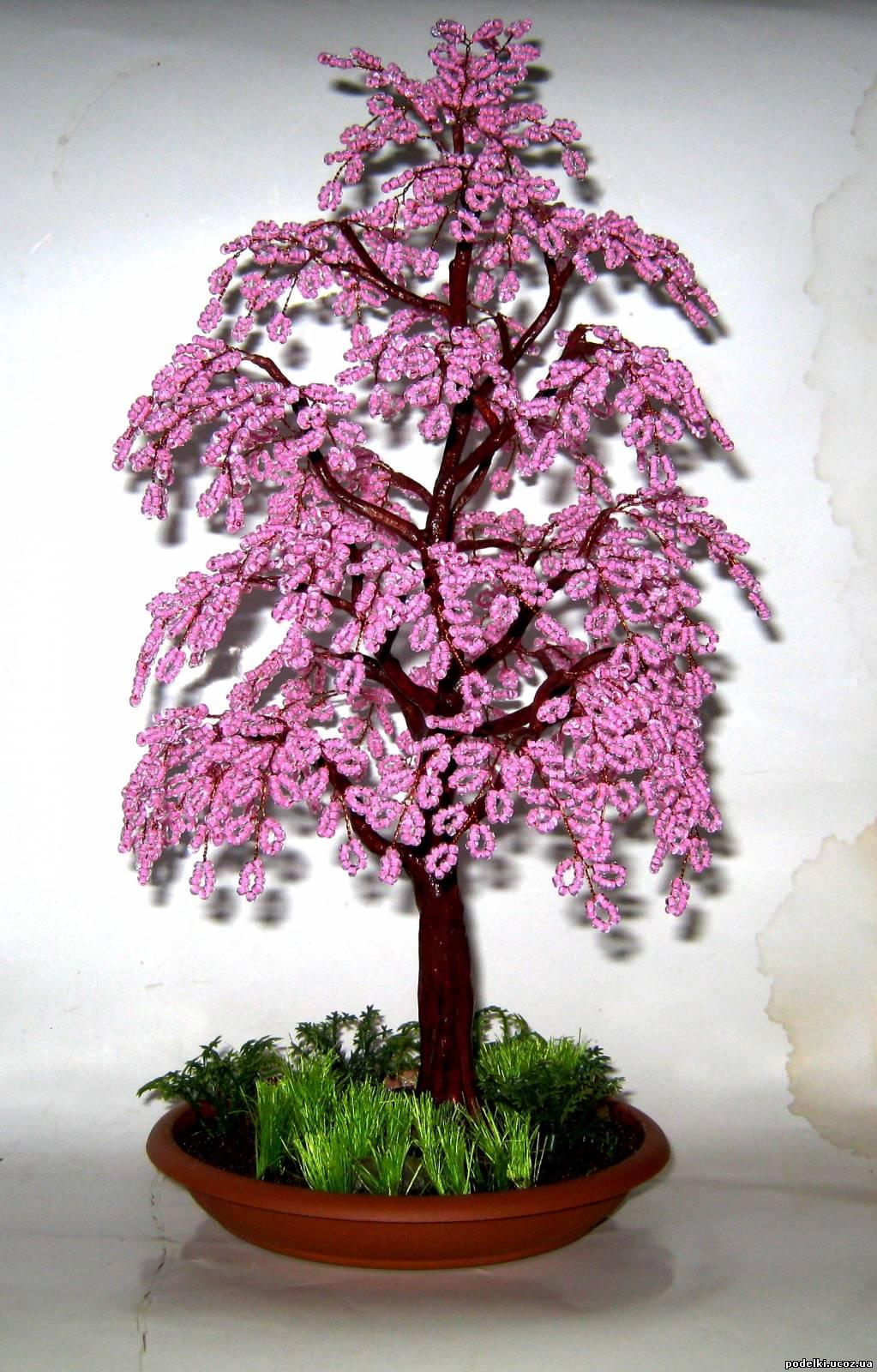 Бисер. поделки цветы и деревья
