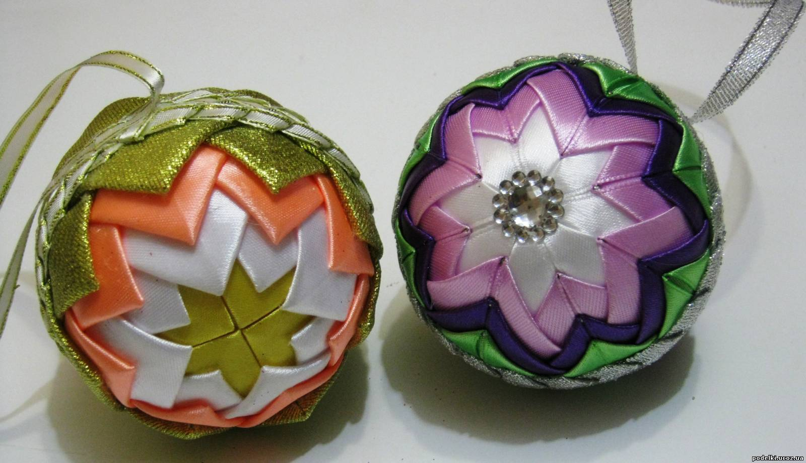 Новогодние игрушки своими руками из лент фото